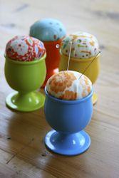 Egg cup pincushion by Christina Lane from sometimescrafter.blogspot.nl