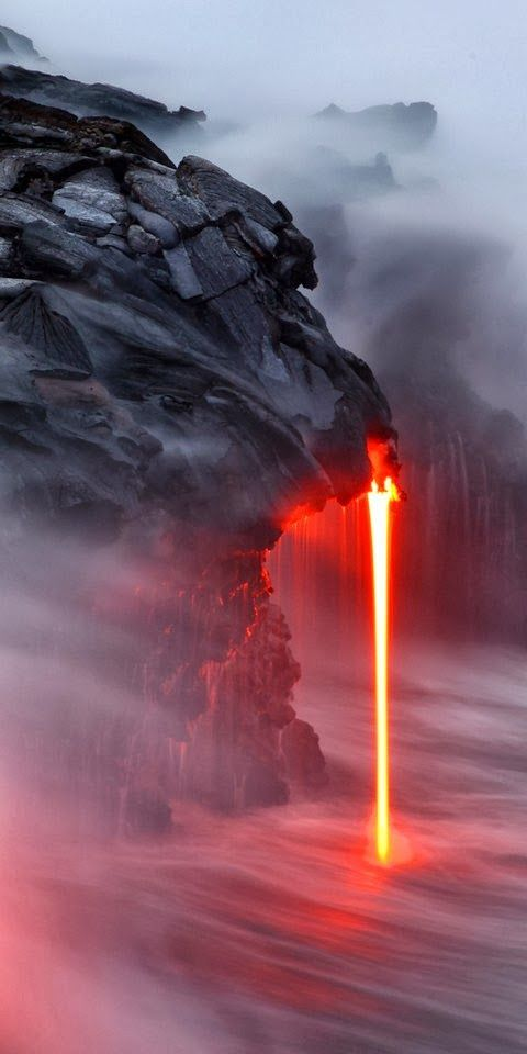 Volcano Kilauea, Hawaii Bad time to take Pictures,start running!