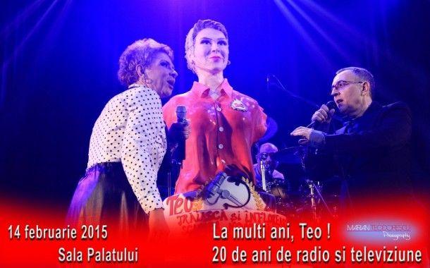 La concertul aniversar dedicat lui Teo Trandafir, trupa Taxi i-a facut acesteia un cadou special: un cantec cu dedicatie si un tort in forma bustului lui Teo, bust realizat de Cofetaria Armand.