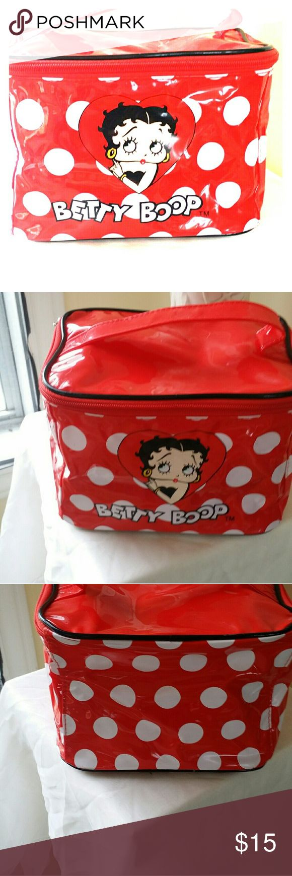 LOOK.BETTY BOOP MAKEUP CASE. COLLECTIBLE. Old favorite