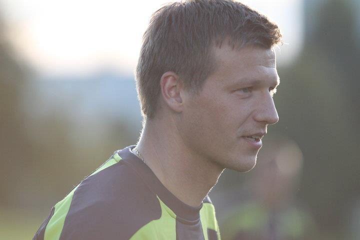 «Сарсания совершил революцию в нашем футболе». Форвард, игравший за 15 клубов из 9 стран - Душевная кухня - Блоги - Sports.ru