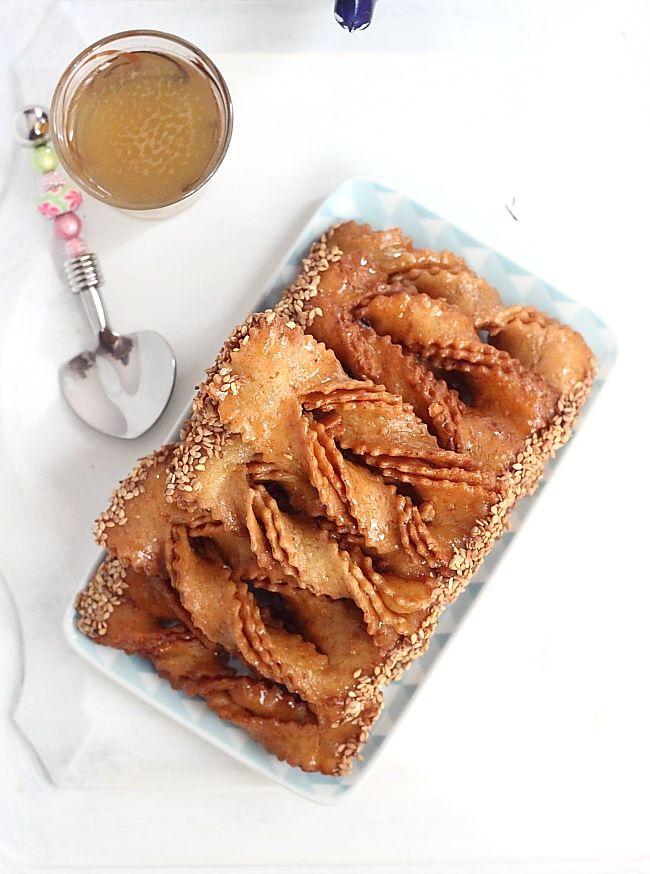 Traditionnellementpréparée pour le ramadan, Chebakia est un incoutrournble des fêtes et autres grandes occasions qu'onretrouve dans tou...