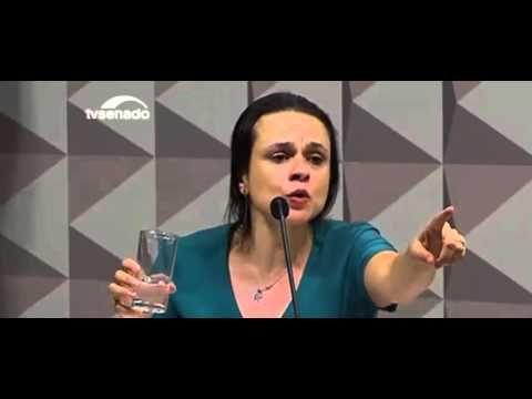 Dra Janaina Paschoal silencia o plenário do Senado