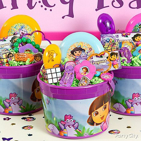 Dora favors gear girls up for adventure! The Dora fans at this party especially loved the flip-flop keychains, flower-shaped lip gloss bracelets, maracas and compasses!