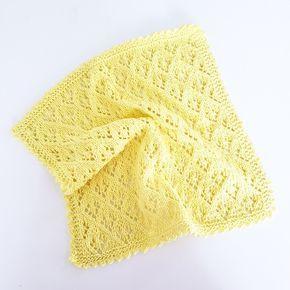 """Denne klud er strikket i hulmønstret """"Elfin Lace"""" - Det er utrolig smukt, og egentligt ganske enkelt at strikke... Du skal bruge 8/4-..."""