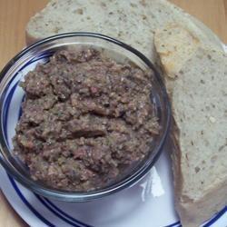 Tapenada z czarnych oliwek i anchois