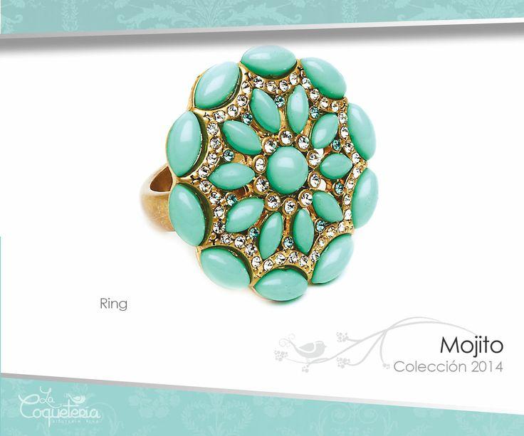 Cabujones en tono verde menta y Cristales Austríacos acentúan este brillante anillo en forma de flor con montura dorada. Tallas 5 - 10. www.lacoqueteria.co #rings #anillos #accesories #beautiful #lacoqueteria  #fashion #shoppingonline #tiendaenlinea #mexico #accesorios #boda #moda #vestidos #casual #joyeria #bisuteria #monterrey #merida