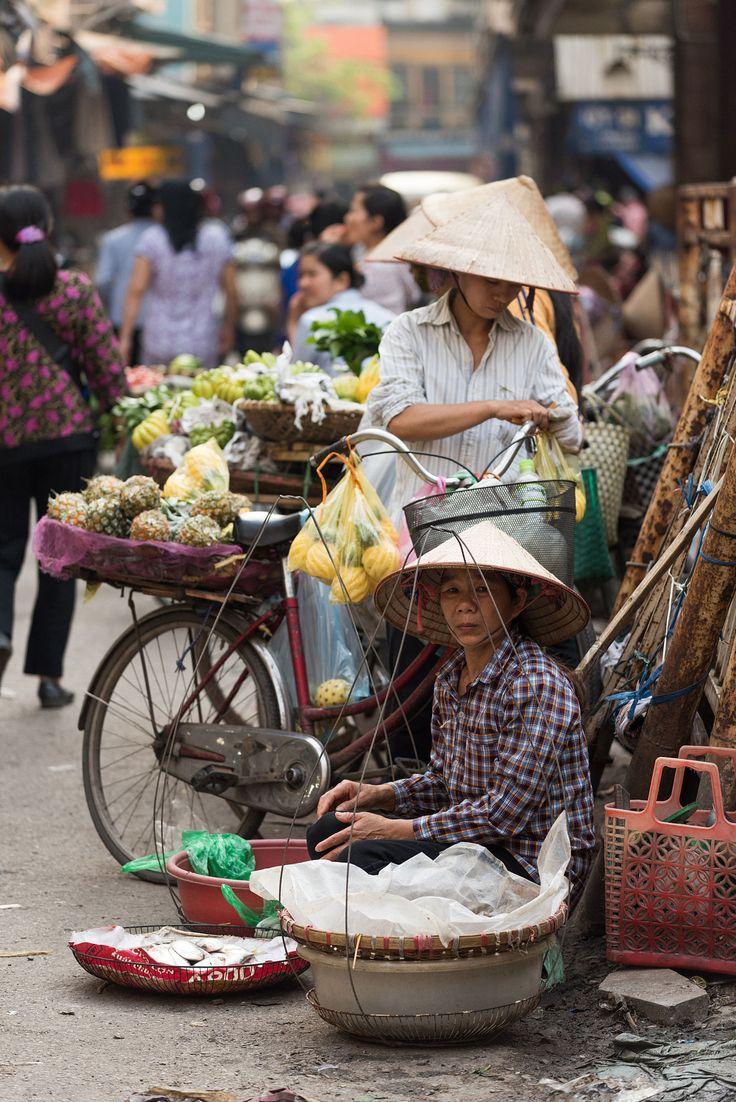 Fruit market, Hanoi, Vietnam