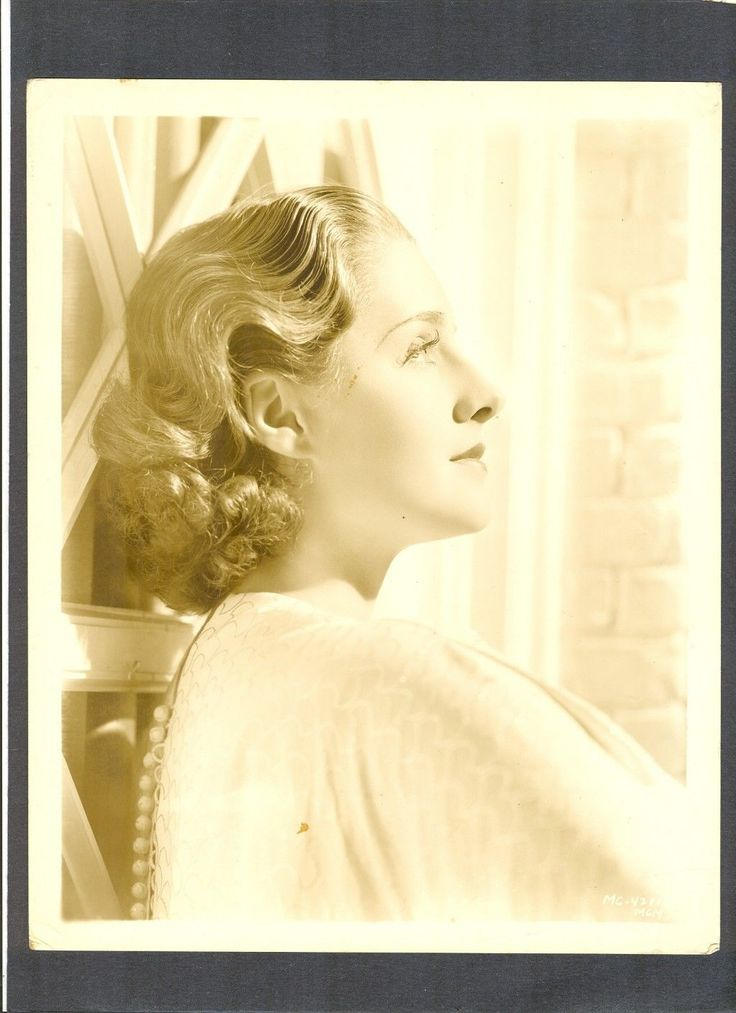 Norma Shearer, beautiful profile of her.