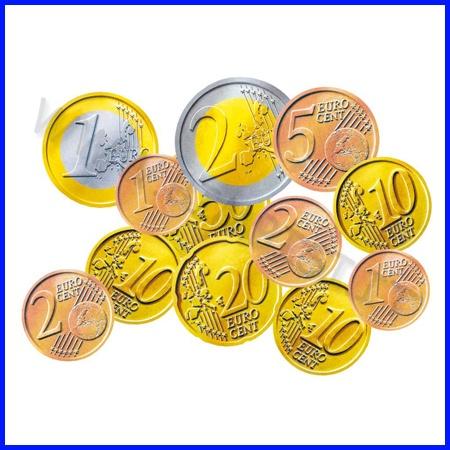 IL DENARO    Una gamma di prodotti ideali per insegnare ai bambini la funzione del denaro e per far loro capire come e in base a cosa si stabilisce il prezzo della merce e per insegnare a riconoscere e ad usare le varie banconote e monete.  MONETE EURO  Scatola da 148 MONETE EURO (fac-simile) in materiale acrilico in valori assortiti.          Codice: 106.05052