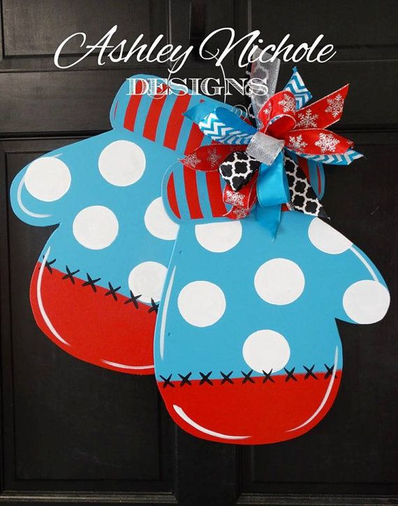 Mittens  Door Hanger, Winter Door Decor, Winter Wreath