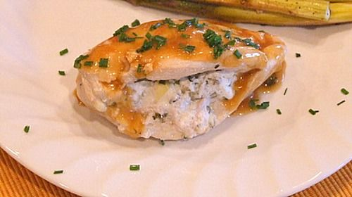 artichoke & goat cheese stuffed chicken. 15minutes to make and only 200calories NEED to make this!