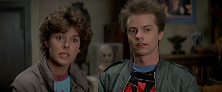 Amanda Bearse and Stephen Geoffreys in FRIGHT NIGHT
