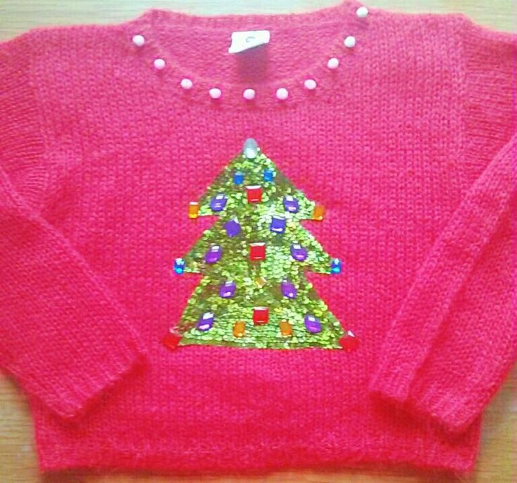 Super-cute and sparkly! Here's an easy DIY Christmas jumper for #xmasjumperday