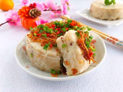 Miki's Food Archives : Steamed Radish Cake aka Carrot Cake/ Lo Bak Go 蒸萝卜...