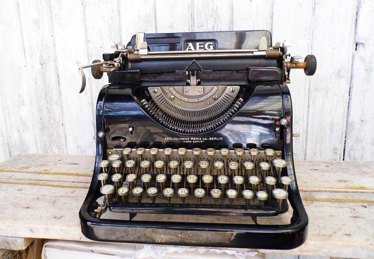 Vintage Schreibmaschinen - Alte Schreibmaschine AEG Typewriter - ein Designerstück von Gerne_wieder bei DaWanda