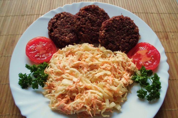 Recept na Řepné karbanátky pečené v troubě z kategorie pro začátečníky, vegetariánské, veganské:  2 středně velké červené řepy, 4 velké cibule, ...