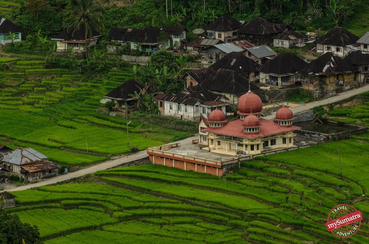 Distant Mosque - Bukittinggi - Sumatra | by mysumatra
