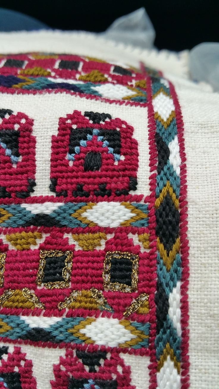 Detail  -  Romanian blouse embroidery