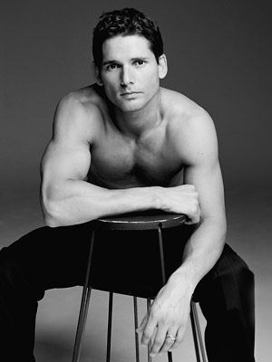 Eric Bana... He made a hot King Henry. Anne and Mary Boleyn should be so lucky.