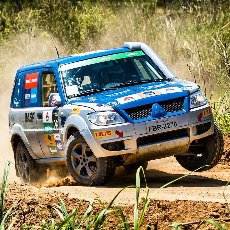 Pajero TR4 ER:  Mitsubishi Cup completa 18 anos Rali cross-country de velocidade do Brasil chega à 18a edição com percursos inéditos e novo formato.  Este ano serão realizadas sete etapas em que além do cross-country de velocidade as duplas formadas por pilotos e navegadores enfrentarão também rallycross modalidade que mescla piso de asfalto e terra com carros largando lado a lado.  Novos veículos A temporada 2017 terá a estreia de dois novos modelos: a L200 Triton Sport RS e o ASX RS…