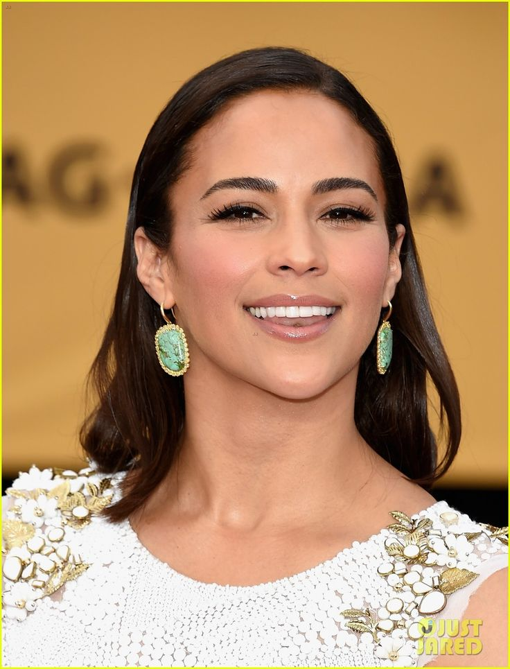 paula patton sag awards 02 Paula Patton is pure elegance while hitting the red carpet at the 2015 Screen Actors Guild Awards held at the Shrine Auditorium on Sunday (January 25) in Los Angeles.…