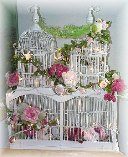 Risultato della ricerca immagini di Google per http://s1.favim.com/orig/20/flowers-pink-rose-shabby-chic-white-Favim.com-204388.jpg