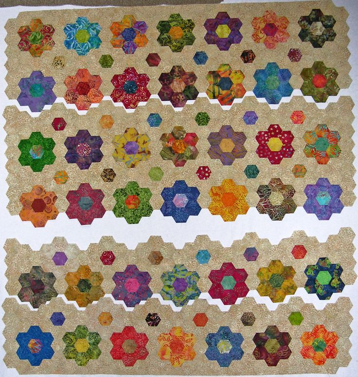 1700 best images about english paper piecing on pinterest grandmothers hexagons and table toppers for Grandmother flower garden quilt pattern variations