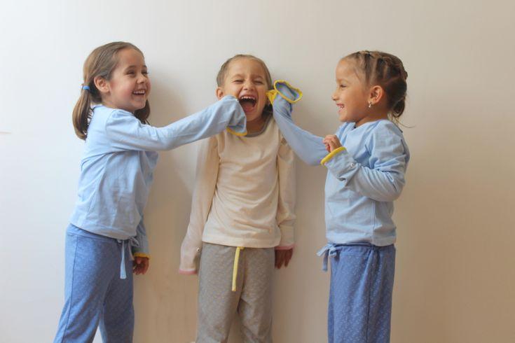 """Mangatíteres, Ropa Lúdica por Alejandra Antón.  La inspiración para llevar a cabo un proyecto, puede ocurrir desde lo más simple y cotidiano, de los objetos y personas a los que les damos un significado importante en nuestras vidas. """"Mangatíteres"""" es un ejemplo claro de esto, pues no solo es ropa lúdica para niños, es toda la historia que llevó a Alejandra Antón para crear esta línea de ropa infantil.  http://www.podiomx.com/2018/01/mangatiteres-ropa-ludica-por-alejandra.html"""