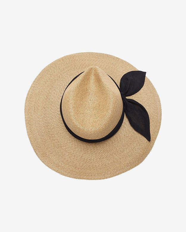 Te perfect hat, not too big .. Not too small .. With a little detail