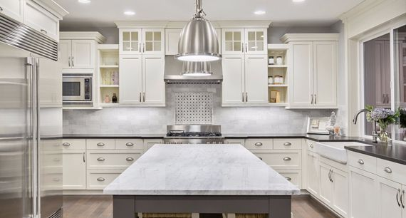 Looking For Wide Range Of Kitchen And Bathroom Cabinetry To Match Every Style Cl Buy Kitchen Cabinets Buy Kitchen Cabinets Online Quality Kitchen Cabinets