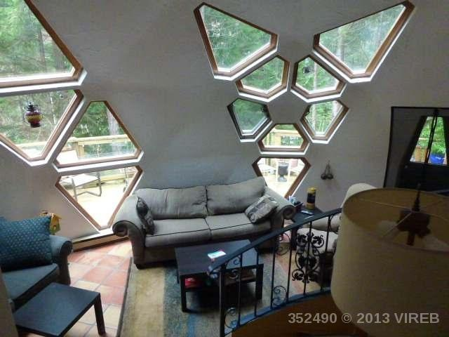 Cool 2-bdrm geodesic dome home for sale on Gabriola Island, BC. 178k. Wish I was in market for that dream vacation property!