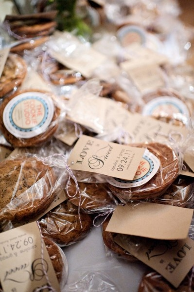Cookie Wedding Favors :D We are doing this!