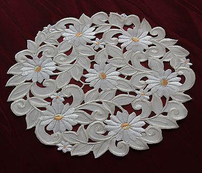 Tapete Corredor de la tabla Mantel Crema Blanca Flor Bordado con calados Margarita Nuevo