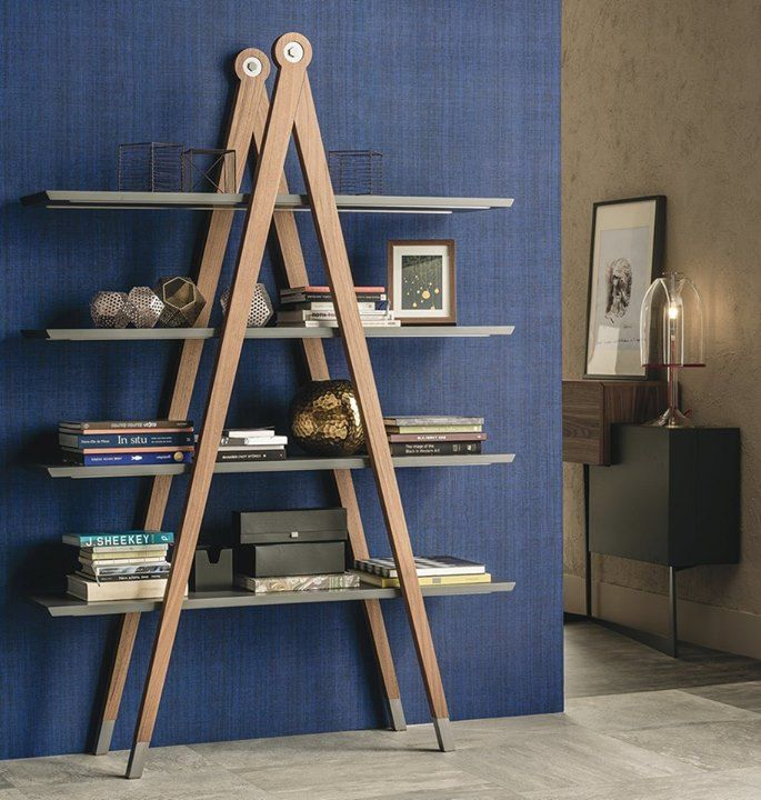 Giotto obtained the perfection on the creation of the circle without a compass, now the perfection for the living furniture is to have Compasso as bookcase...