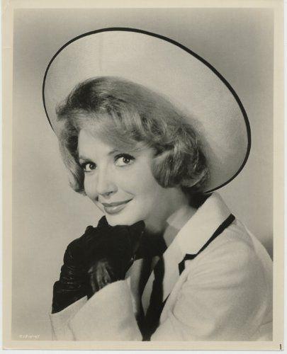 Ruta Lee in Hootenanny Hoot (1963)