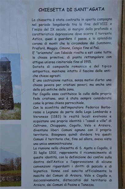 Pannello posto a lato della costruzione con precise notizie storiche.