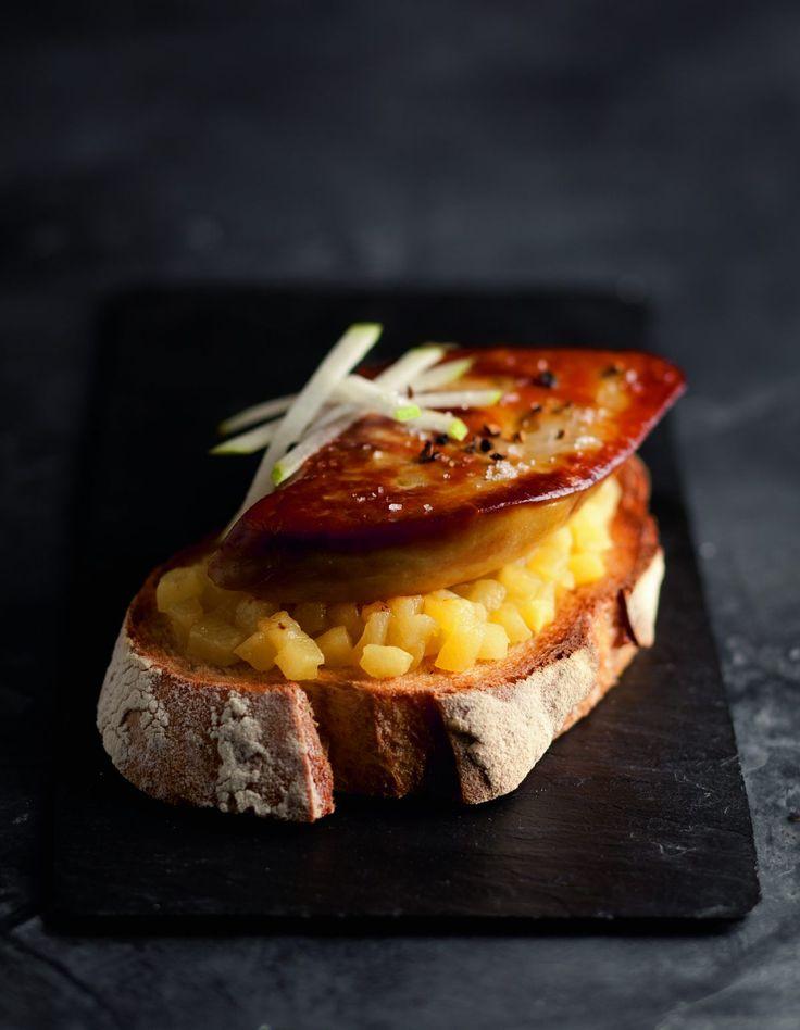 Tartines de foie gras poêlé aux pommes par Alain Ducasse