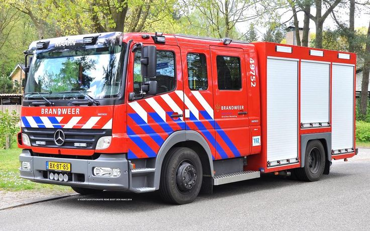 Hvvoertuigen r boot on mercedes benz and fire trucks for Mercedes benz emergency