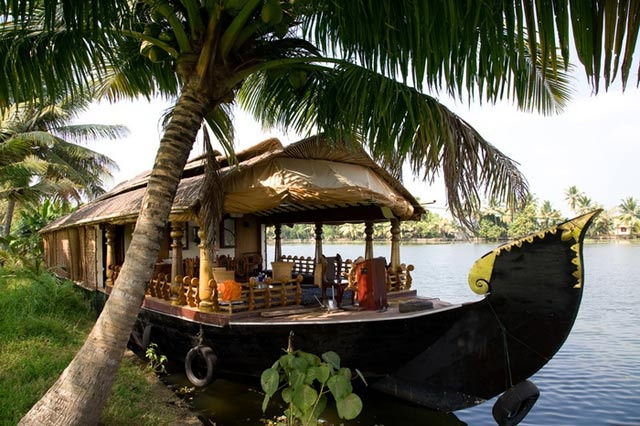 Panchagangavalli river boat house. Love to ride in this....