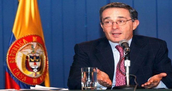 "Álvaro Uribe promueve un ""apremiante golpe"" en Venezuela http://insurgenciamagisterial.com/alvaro-uribe-promueve-un-apremiante-golpe-en-venezuela/"