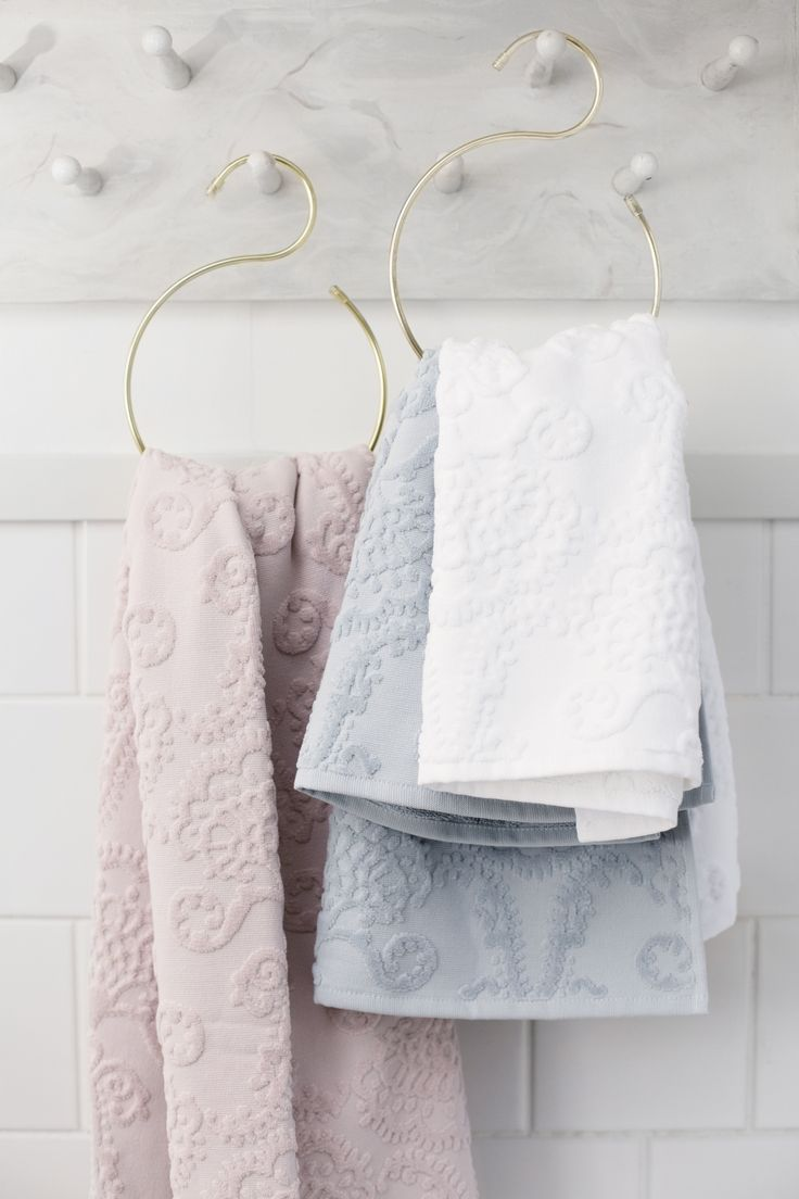 Lennol | Astonishing hand and bath towels with ornamental design