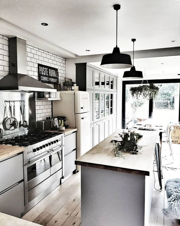 30 Cute Retro Style Ideas For Your Interior Home Design Trenduhome Home Decor Kitchen Kitchen Remodel Home Kitchens