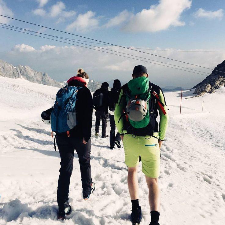 mhoch3 teambulding: hiking tour at Dachstein #UniqueSteps #wanderlust #adventure #Dachstein #Austria #mhoch3 #teambuilding