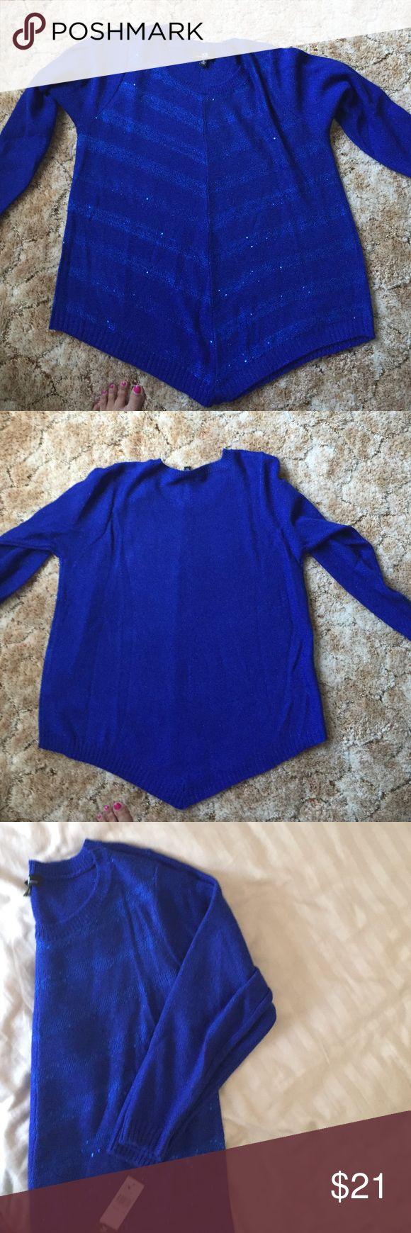 Beautiful royal blue sweater Beautiful royal blue sweater. Light shimmer effect AGB Sweaters