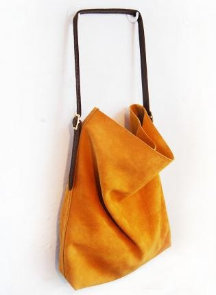 suede tote // love the color