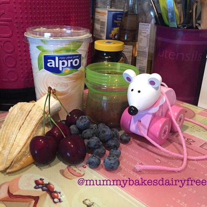Dairy free smoothies!  (dairy, egg, nut free: mummybakesdairyfree)