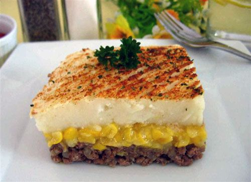 Shepherd's Pie - Pâté Chinois (You may have to translate page, recipe is writen in French)