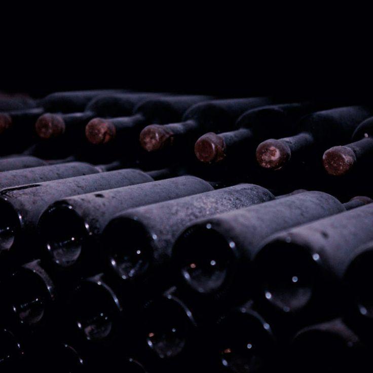 старые бутылки вино