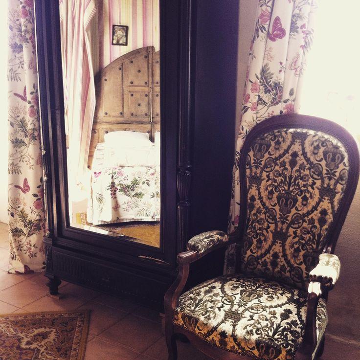 A #Chambiers, a décoration est soignée dans chaque chambre avec des thèmes différents pour un dépaysement total! #gitedecharme #giteanjou